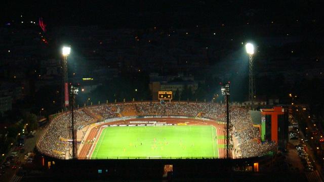 Imagine-de-ansamblu-a-stadionului-Ceahlaul-in-nocturna.jpg
