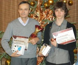 Doi dintre fericiții premiați cu tablete și HDD-uri de către Inspectoratul Școlar