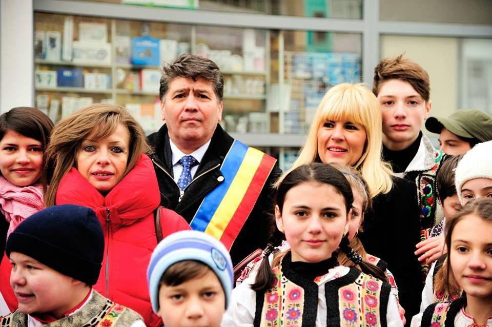 Familia-Leoreanu-si-Elena-Udrea1.jpg