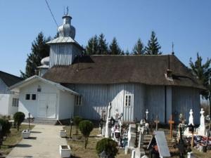 Biserica de lemn Sf. Voievozi