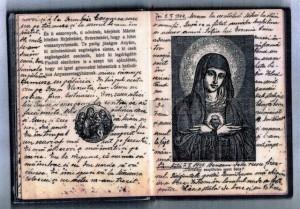 File din Biblia in maghiara pe care preotul Barna si-a tinut jurnalul (1)