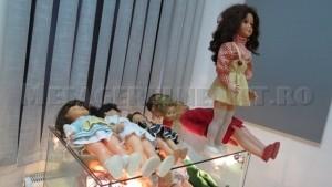 Orice fetiță își dorea o păpușă Arădeanca. Arădeanca era o fabrică de jucării din Arad și făcea păpuși foarte reușite. Din păcate, după Revoluție s-a închis. Nu cred că păpușile astea nu aveau căutare și astăzi.