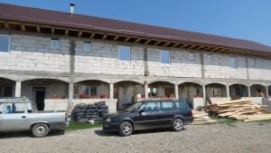 manastirea bociulesti 04 chiliile in constructie
