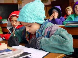 copii frig scoala 01