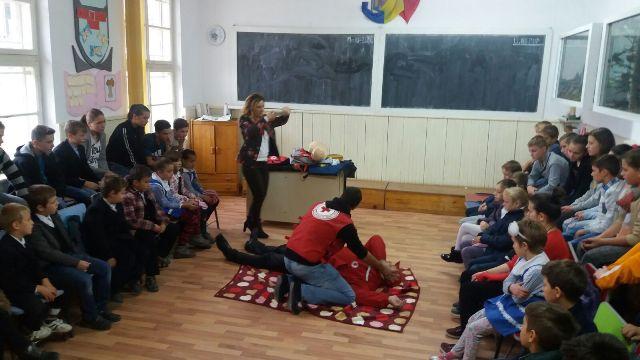 scoala-garcina-1.jpg