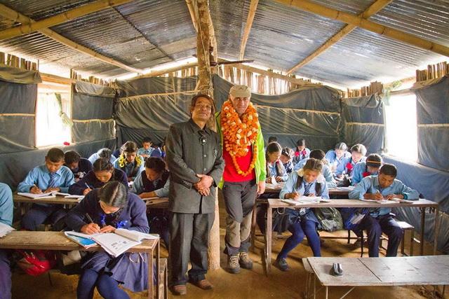 ticu-lacatusu-scoala-nepal-01