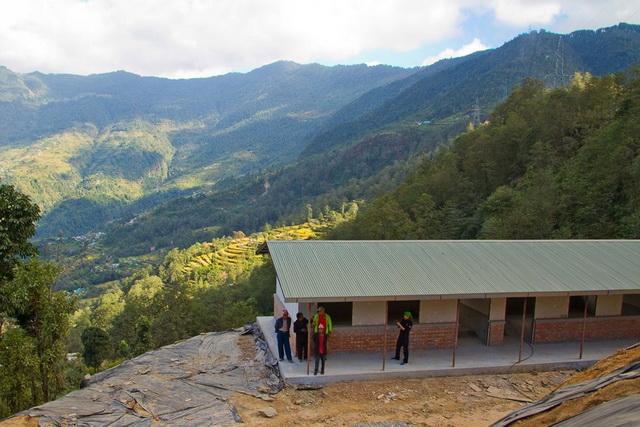 ticu-lacatusu-scoala-nepal-03