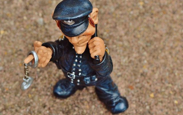 politist figurina