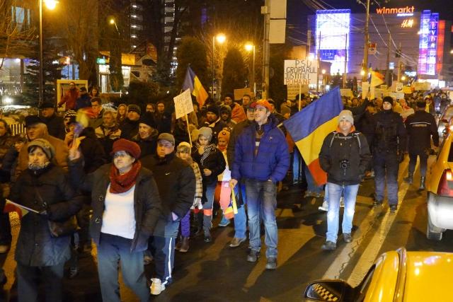 piatra-neamt-proteste-justitie-03.02.17-22.jpg