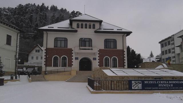 primaria-piatra-neamt-iarna-1.jpg