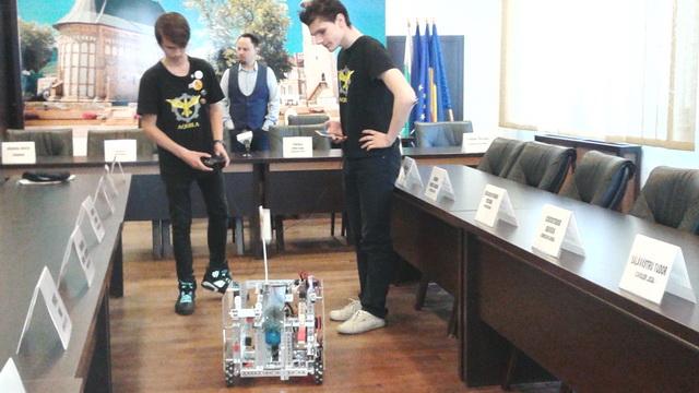 primaria-piatra-roboti-oniciuc-2.jpg