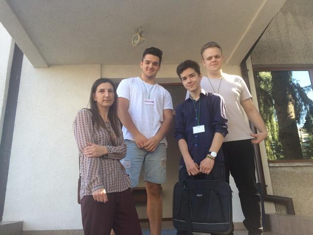 tinerii dezbat 2017 premiere (1)