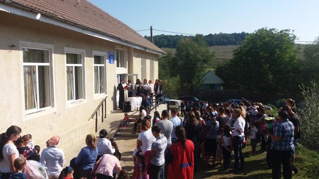 scoala-tolici-petricani-8.jpg