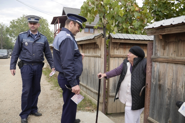 politia-neamt-prevenire-dombrava-rosie-4.jpg