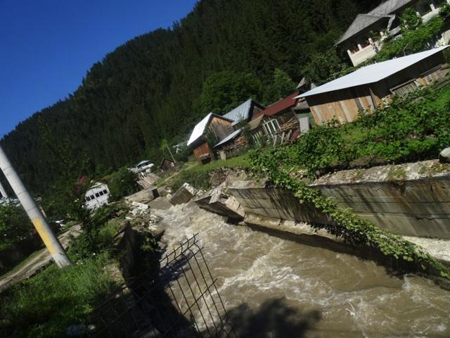 inundatii-borca-2.jpg