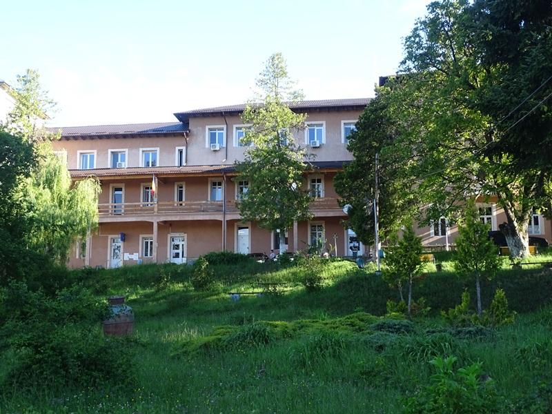 bisericani-spital-01.jpg
