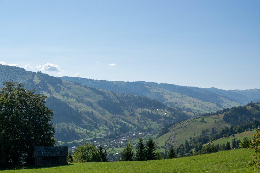 16-Punct-de-panorama-spre-staul-Damuc-Huisurez-1000x667.jpg