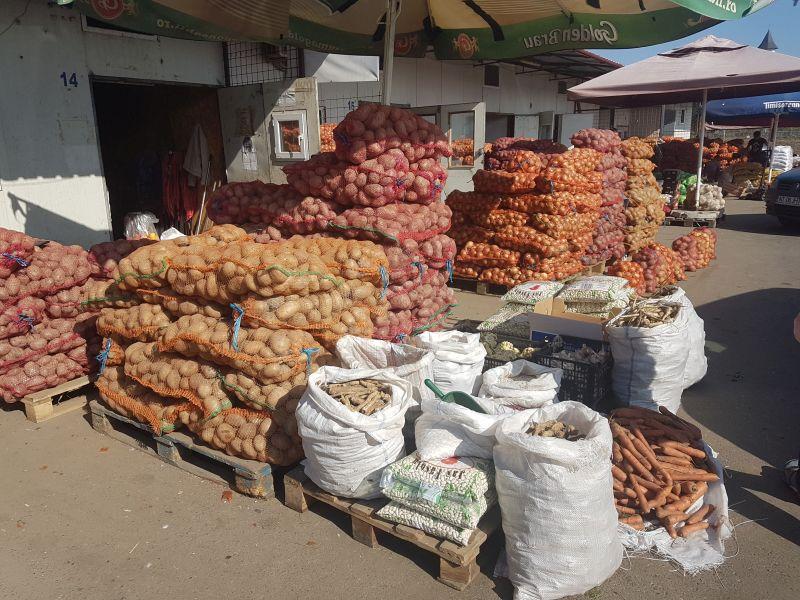 piata 3 cartofi