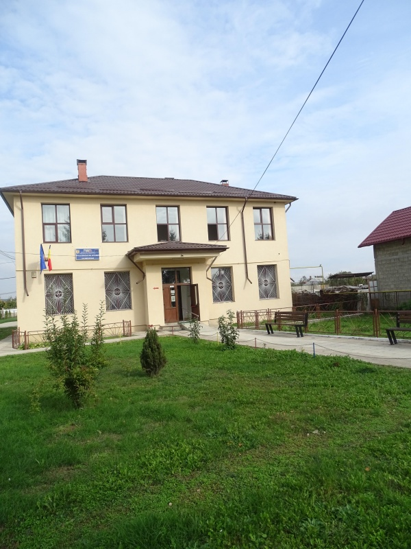 cordun-scoala-2020-scoala-intrare.jpg