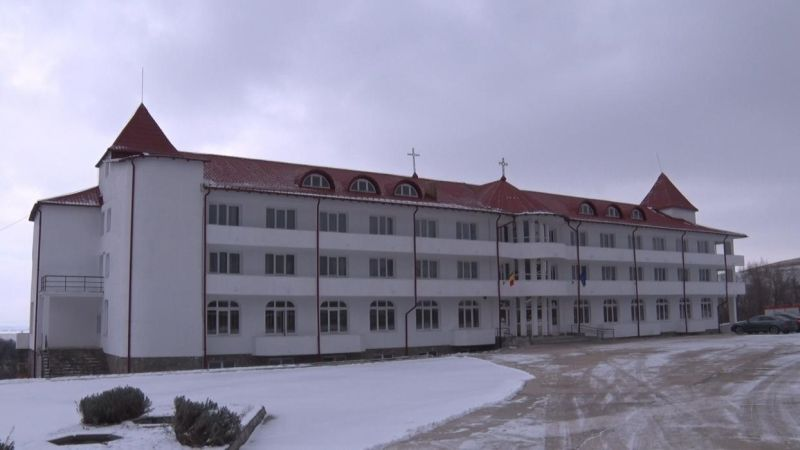 azil-manastirea-varatec.jpg