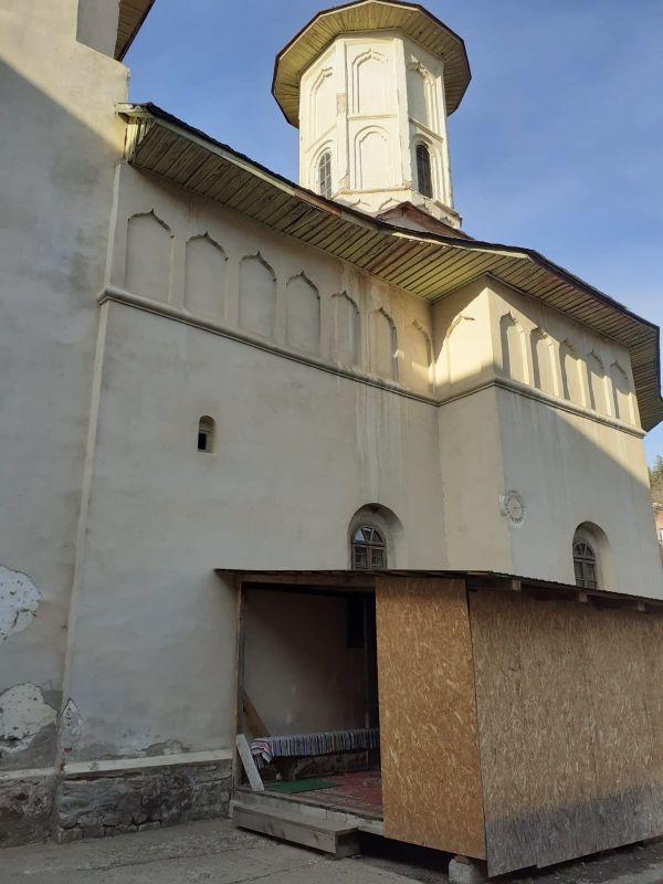 manastirea-bisericani-1.jpg