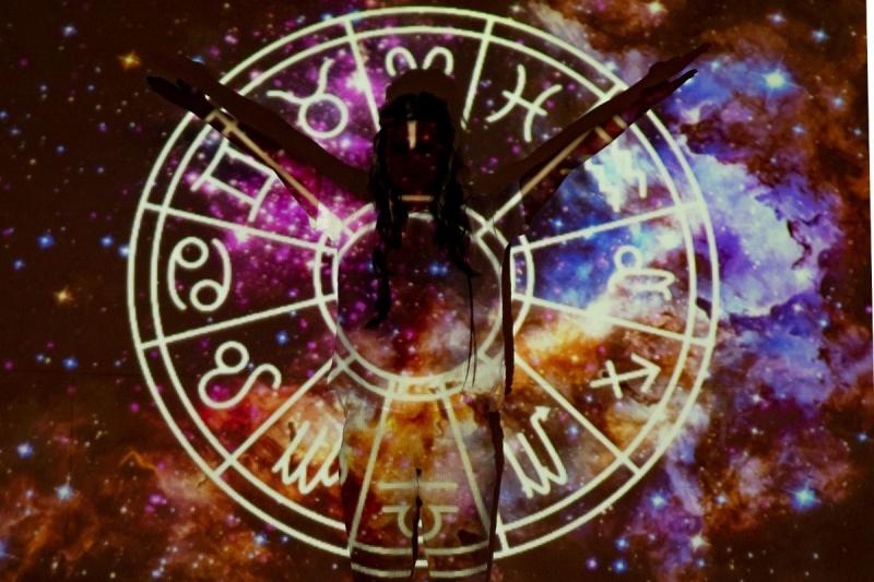 Horoscop-vestimentar-zodiile-verii-si-articolele-lor-vestimentare.jpg