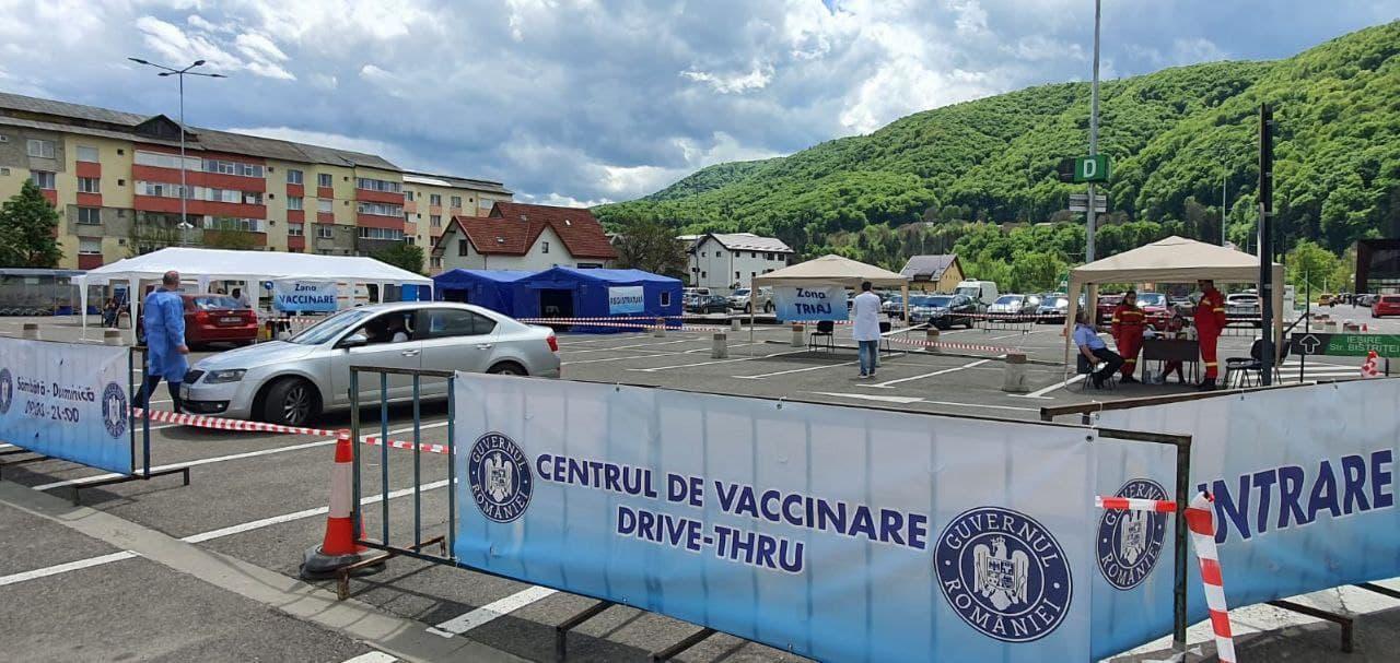 centru-vaccinare-drive-thru.jpg