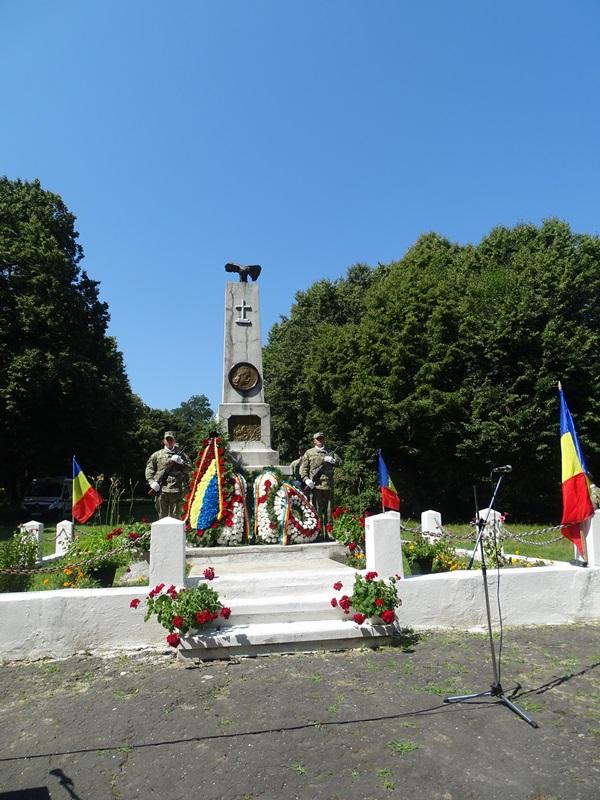 razboieni-monument.jpg