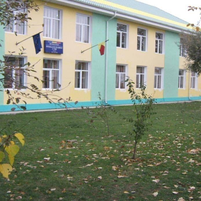 scoala-rediu-1.jpg