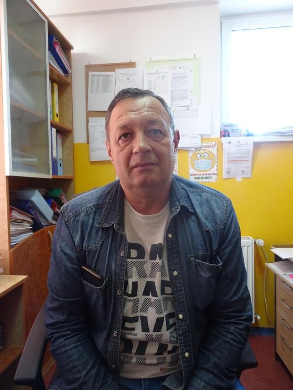 borlesti-director-scoala-ionel-patrunjel.jpg